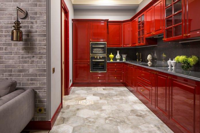 красные фасады на кухне