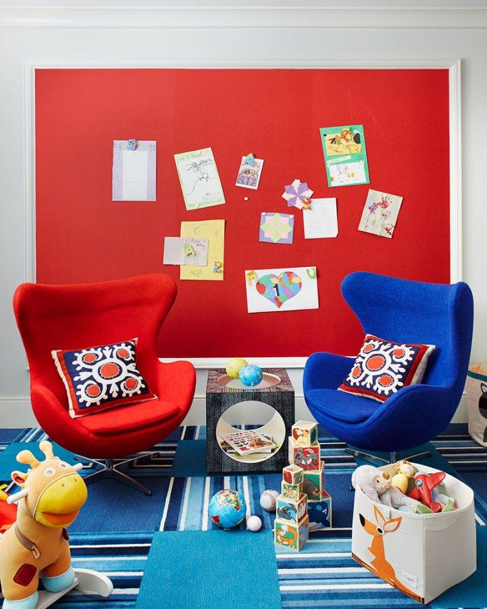 красно-синяя детская комната