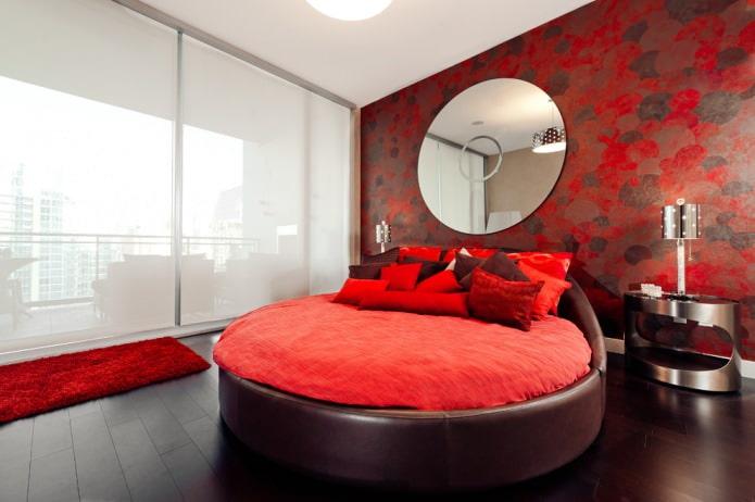текстиль и обои красного цвета