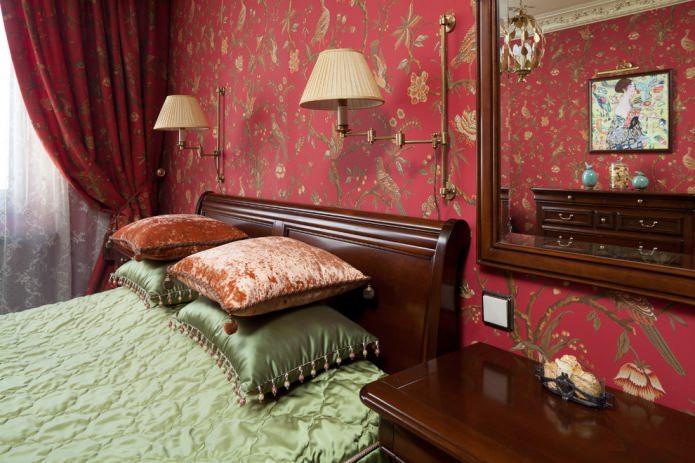 Классический стиль оливково-красной спальни