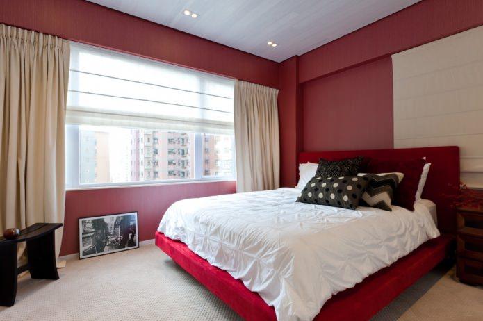 кровать красного цвета