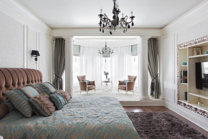 Окно с эркером в спальне
