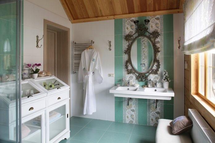 ванная в бело-изумрудном цвете