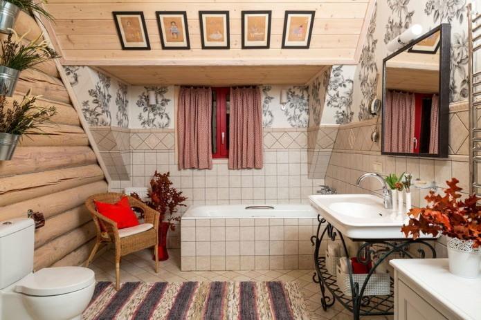 Кантри стиль в мансардной ванной