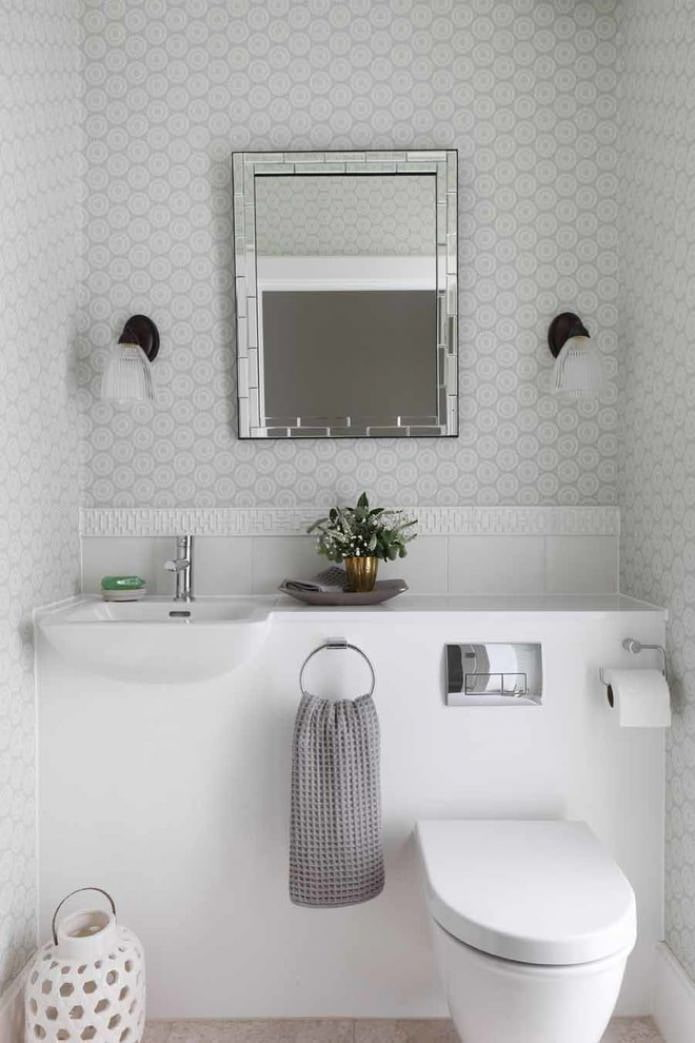 серо-белый туалет