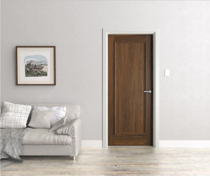 двери венге с белыми наличниками и плинтусами
