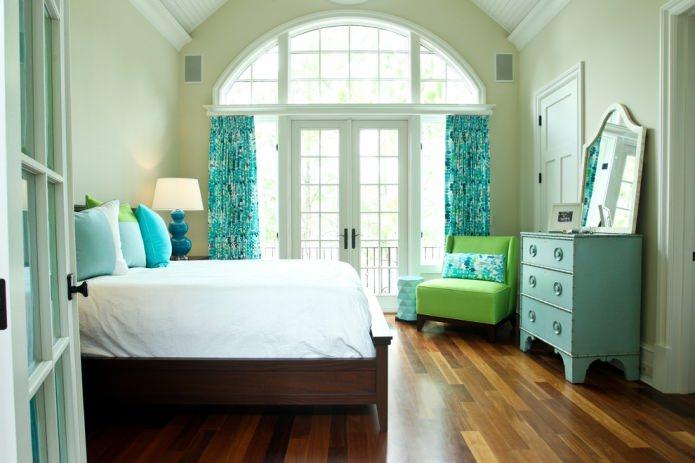 зелено-бирюзовая спальня