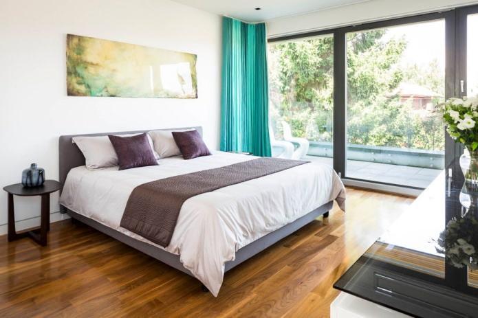 бирюзовые портьеры в спальне