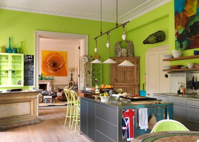 зеленые стены в кухне