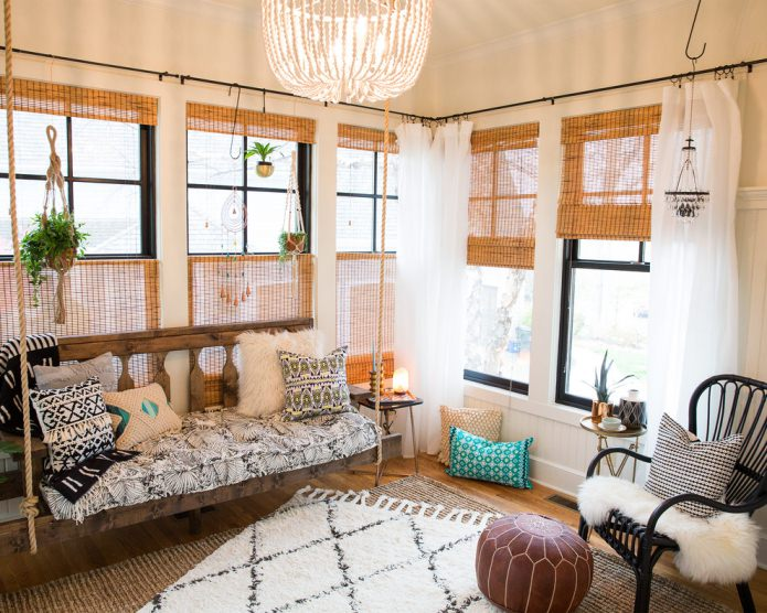 деревянный подвесной диван в стиле бохо
