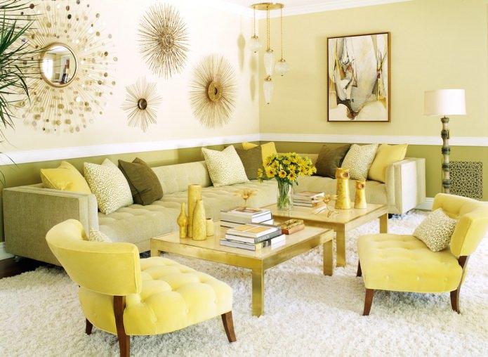 светло-желтая гостиная с зелено-желтой мебелью