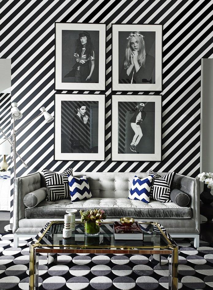 черно-белая диагональная полоска на стенах
