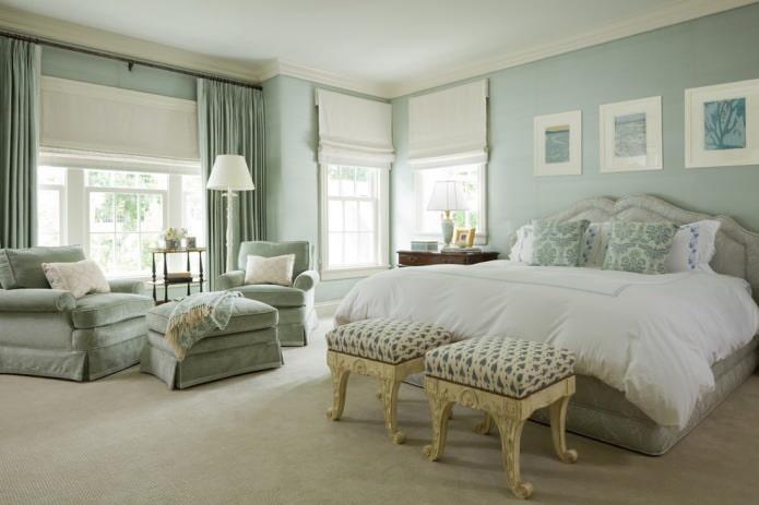 спальня в пастельных мятных тонах