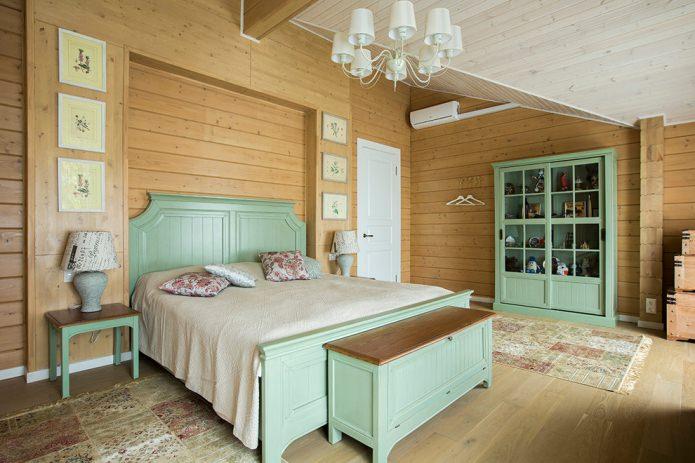 мятная кровать и шкаф