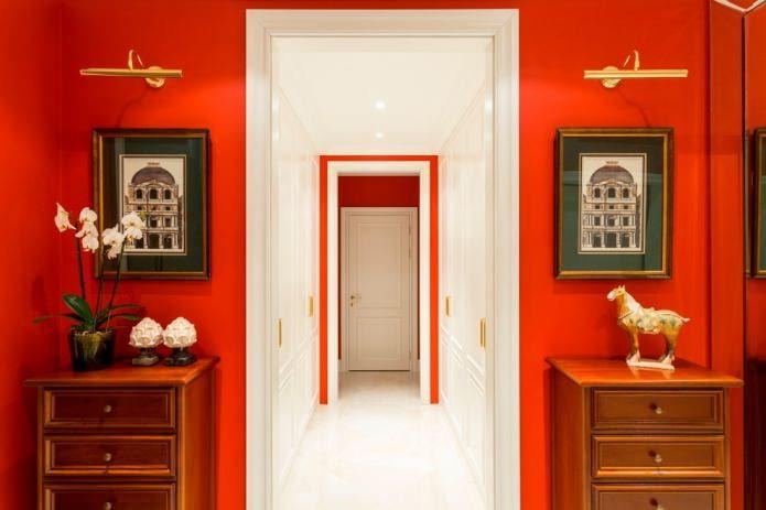 красные стены в интерьре