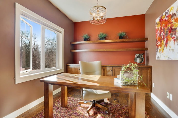 двухцветная покраска с акцентной красной стеной