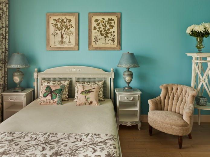 бирюзовая спальня в стиле прованс с однотонной окраской стен