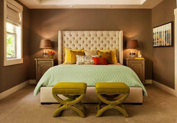 коричневая покраска стен в спальне
