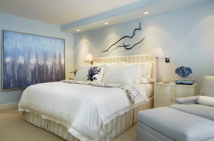 голубая покраска стен в спальне