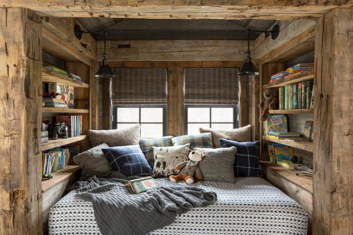 уютная мансардная комната в стиле шале
