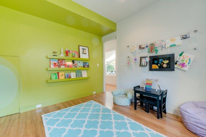 бело-салатовые стены в детской комнате
