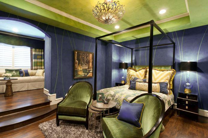 Салатово-фиолетовая спальня