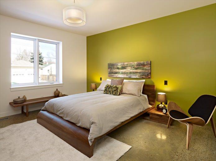 салатовая стена в спальне