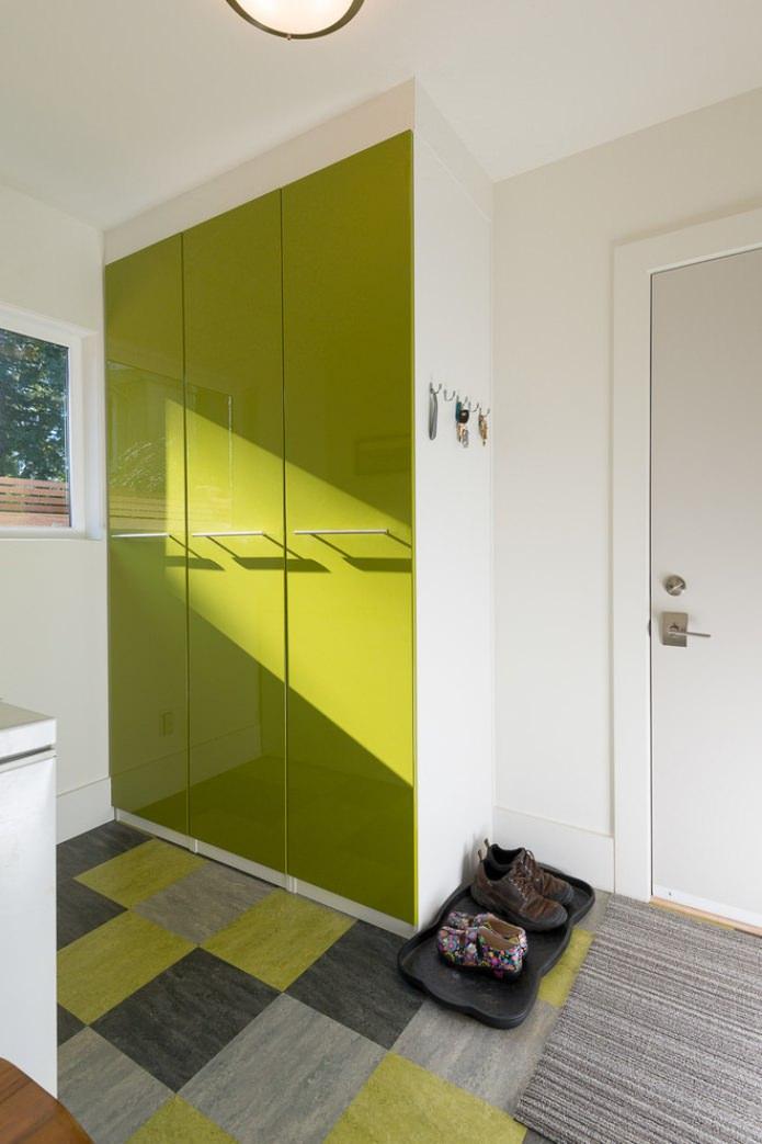 шкаф с салатовыми фасадами