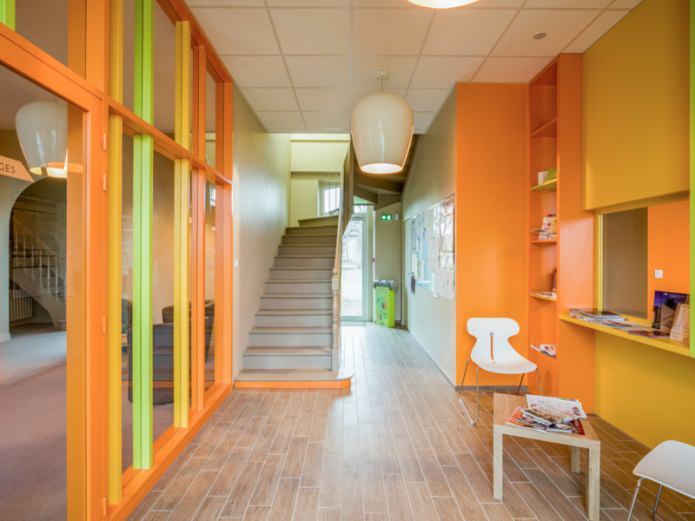Желто-оранжевый интерьер