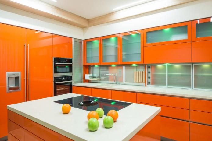 апельсиновый цвет на кухне
