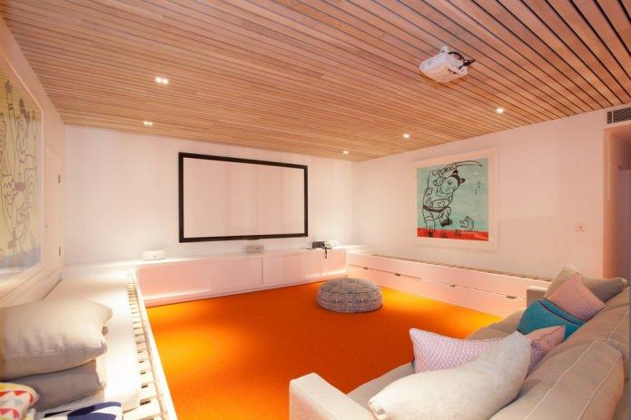 оранжевый пол