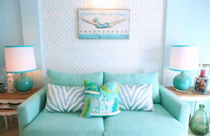 бирюзово-белая гостиная в морском стиле