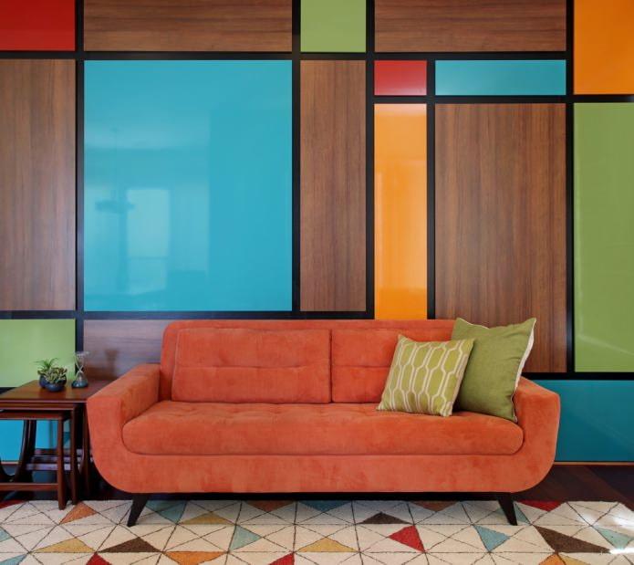 контрастные цвета на стене
