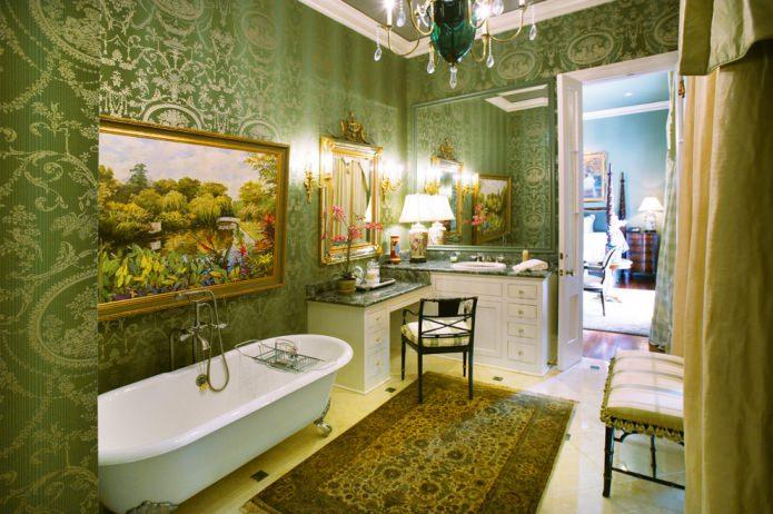 зеленые обои в ванной
