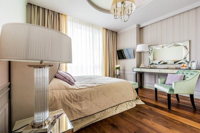 бежевые портьеры в спальне