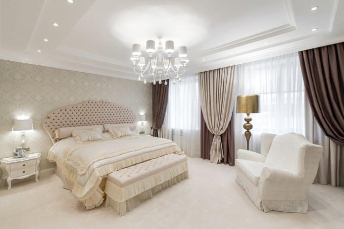 просторная спальня с 2-мя окнами