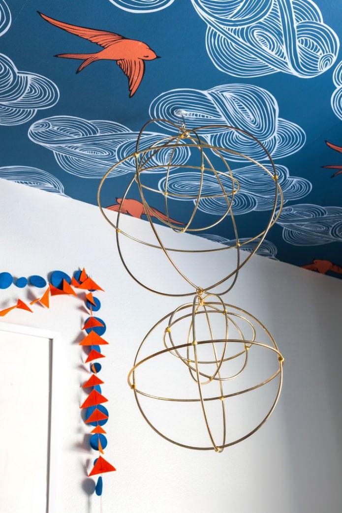 Синий потолок в комнате: дизайнерские идеи, 70 вдохновляющих фото