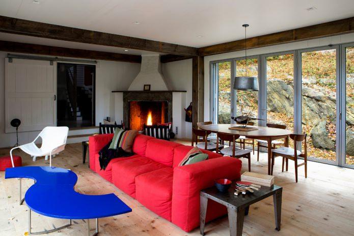 красный тканевый диван