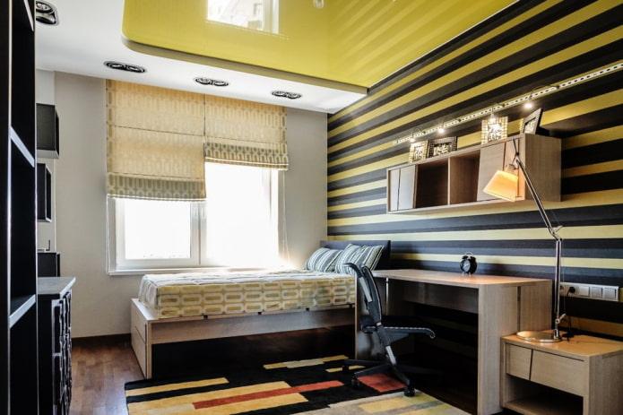 Желто-черные обои в комнате подростка