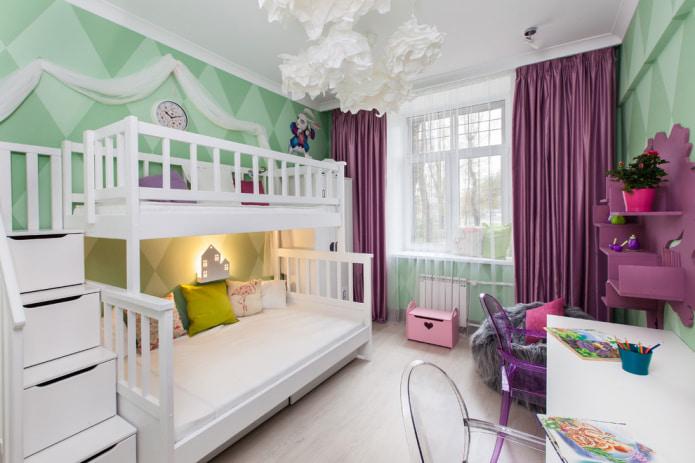 атласные шторы в детской