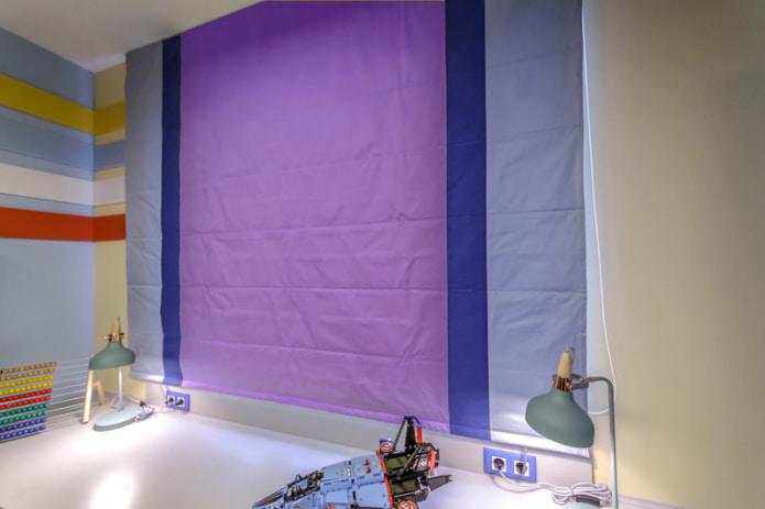 Фиолетово-синяя римская штора