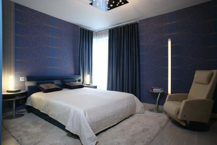 синие обои в спальне