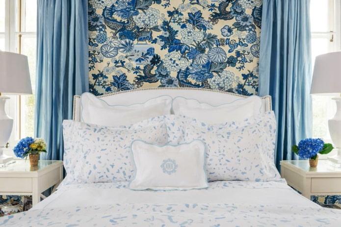Сине-бежевые обои в спальне