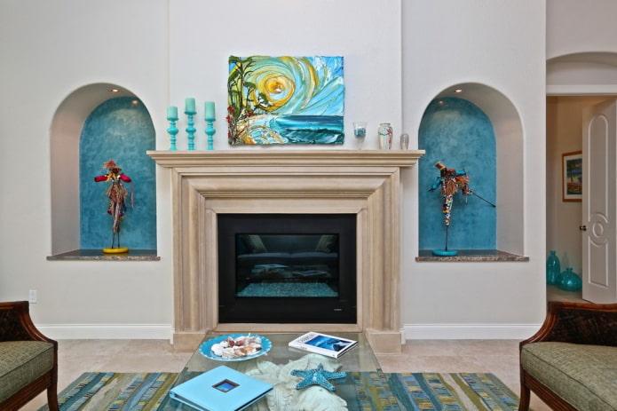 светлый зал с морской тематикой