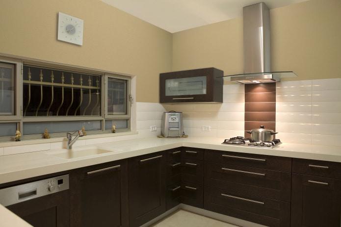 стеклообои в кухне