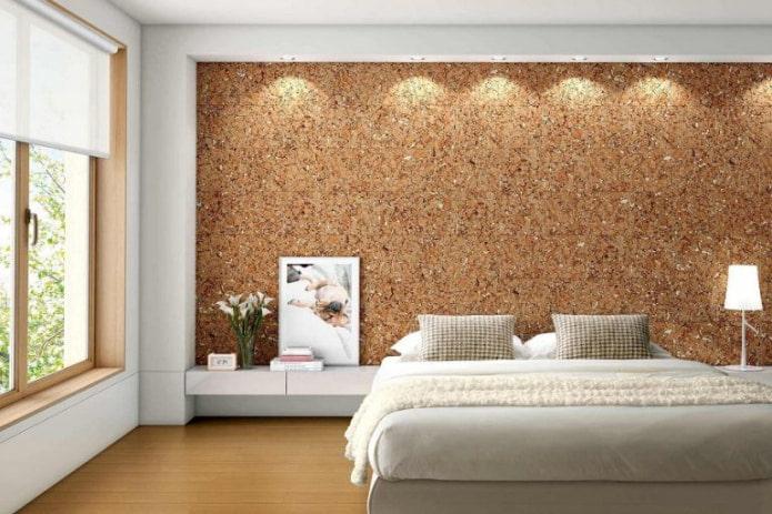 пробка на стене в спальне