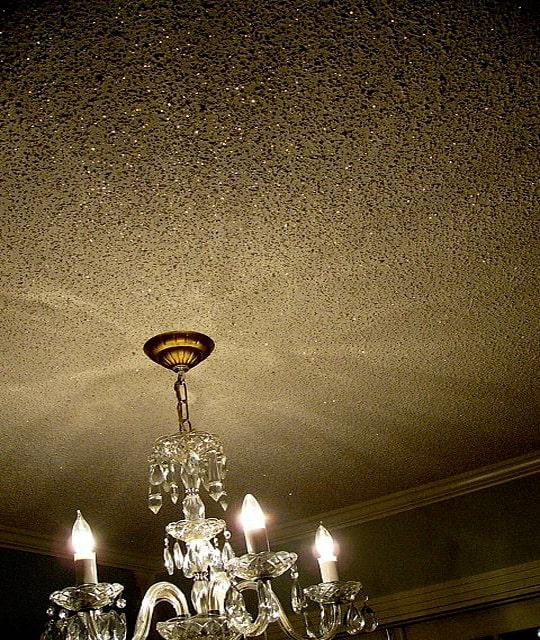 блестящий потолок