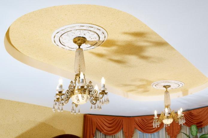 потолок с жидкими обоями