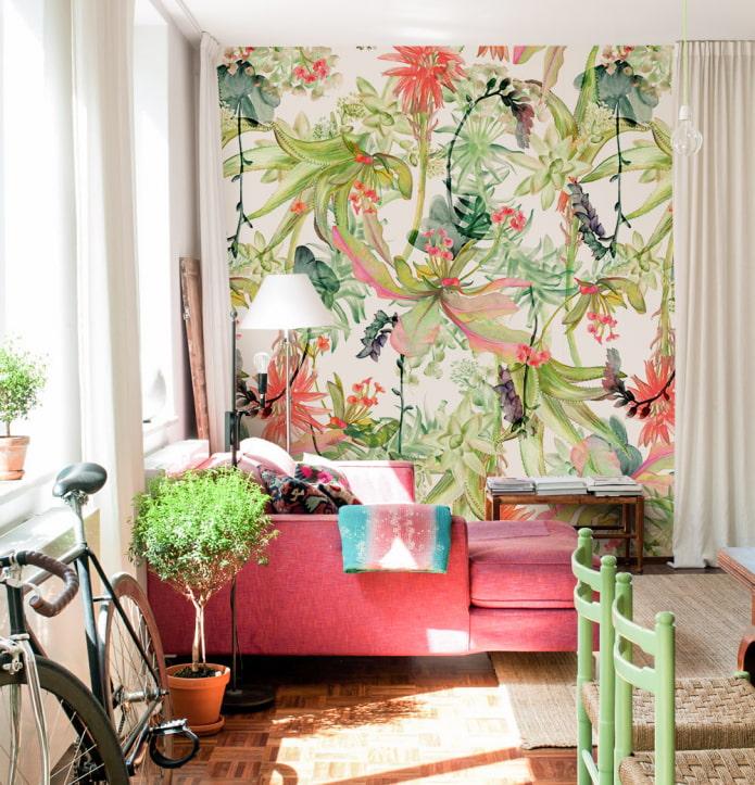обои с тропическими цветами в интерьере