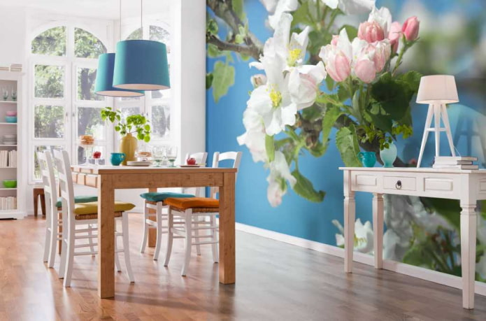 фотообои с цветущей яблоней в интерьере столовой